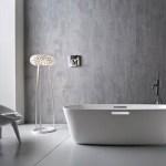 Фото дизайна белой и светлой ванной комнаты 2015 год