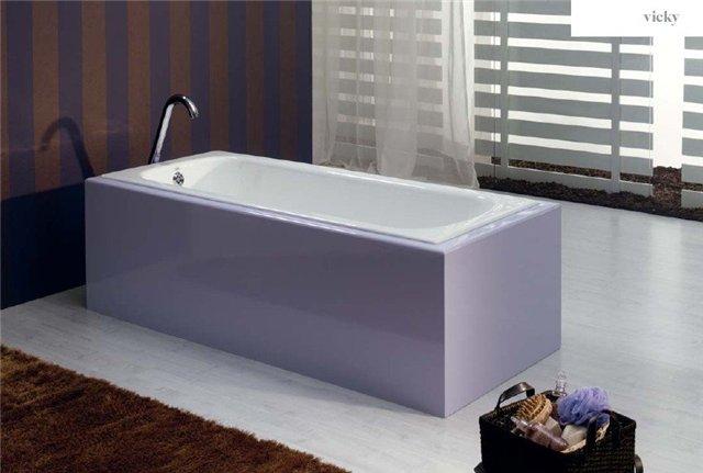 Элегантная чугунная ванна