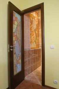 Двери для ванной из стекла