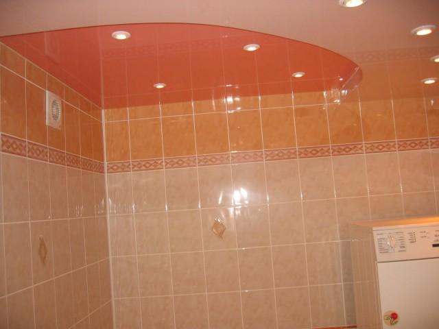 Натяжной потолок в ванной - материал - платик