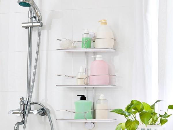 Полочки в ванной и душевой кабине