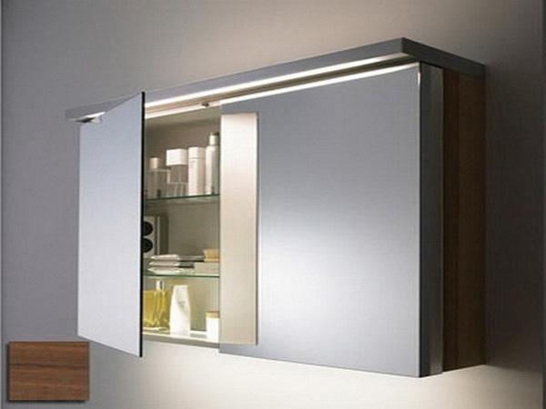 Зеркальный подвесной шкаф в ванной комнате