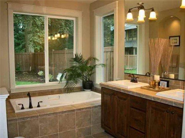 Фото ванная с большим окном