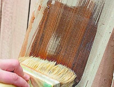 Выбор краски для двери в санузел