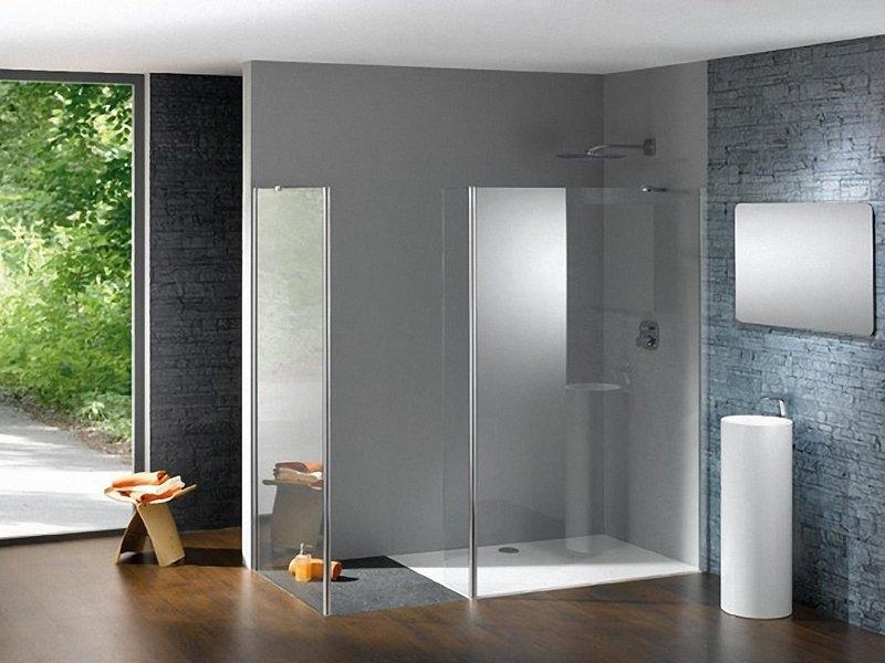 Стеклянные перегородки для большой ванной комнаты
