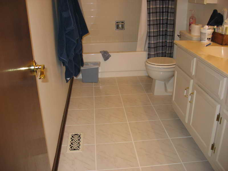 Bathroom tile floors design