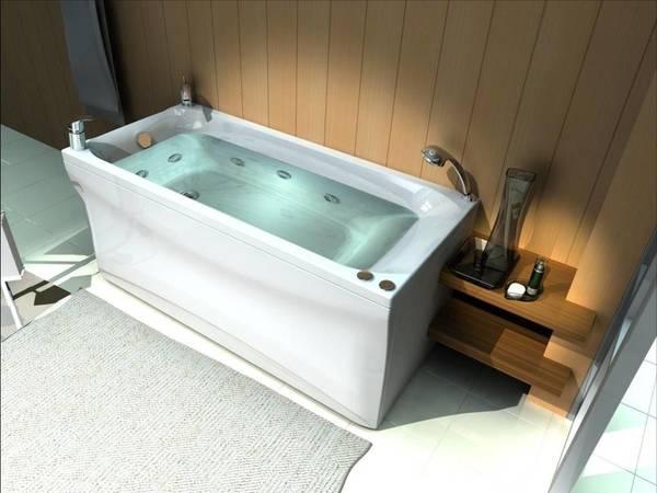 Акриловая ванна, купленная для ванной в деревенском стиле
