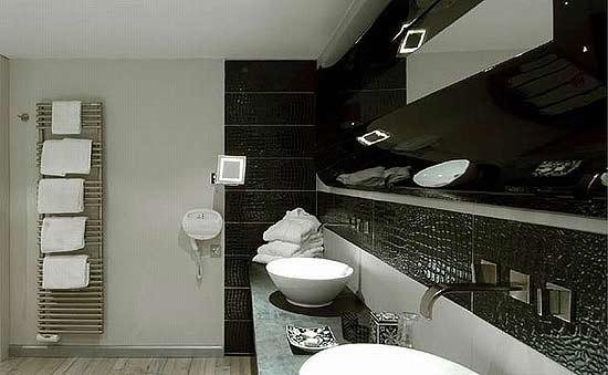 Рептилии и кафель в ванной