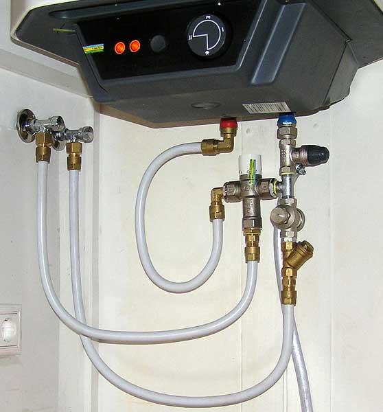 Фото соединений водонагревателя: понятная схема
