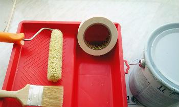 Кроме того, для качественной покраски потолка перед началом работ поверхность должна быть тщательно подготовлена