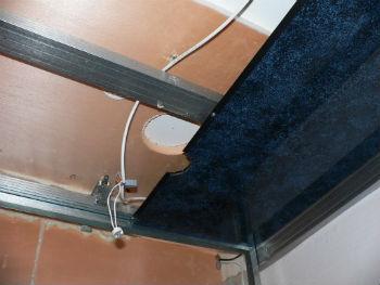 Перед тем, как сделать пластиковый потолок, проводят предварительные расчёты в ванной комнате и определяют объём материалов