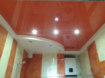 При выборе подходящей отделки потолка ванной комнаты следует рассматривать четыре самых распространённых варианта