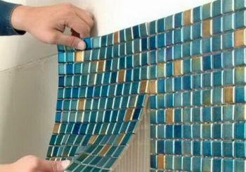 Монтаж панелей производится непосредственно на отделываемой стене