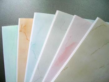 Для помещения с высокой влажностью рекомендуется выбирать как минимум восьмимиллиметровые панели