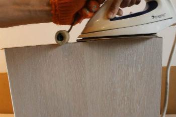 Незначительные вздутия и отслаивания шпона при обнаружении необходимо сразу же ликвидировать