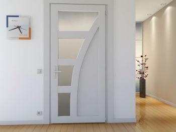 Пластиковое дверное полотно практически не деформируется, не гниёт, на нем не появляется плесень или грибок