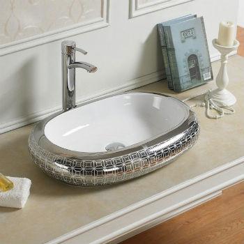 По популярности первое место делят между собой классический санитарный фаянс и фарфор