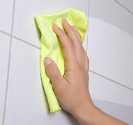 мыть кафель в ванной