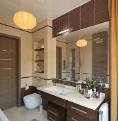 дизайн ванны в бежевых и коричневых тонах