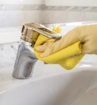 чистки кранов в ванной комнате