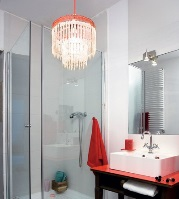выбрать люстру в ванную