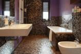 Пол из мозаики в ванной комнате