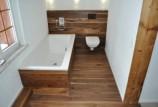 Гидроизоляция деревянного пола в ванной: какой вариант выбрать