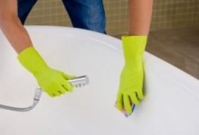 Как очистить ванну добела?