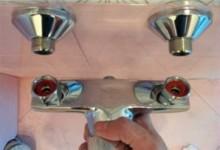 Замена/установка смесителя в ванной комнате своими руками с видео инструкцией