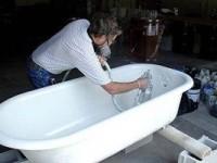 Восстановление старой чугунной ванной: 3 метода реставрации покрытия