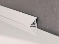 Как надежно приклеить пластиковый бордюр для ванны?