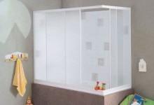 Чем хороша штора для ванной из пластика?