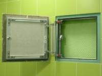 Особенности сантехнических люков под плитку