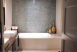 Дизайн интерьера маленькой ванной комнаты — на фото идеи 2016 года