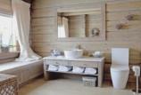 Стиль и уют деревянного дома: чем отделать стены ванной комнаты?